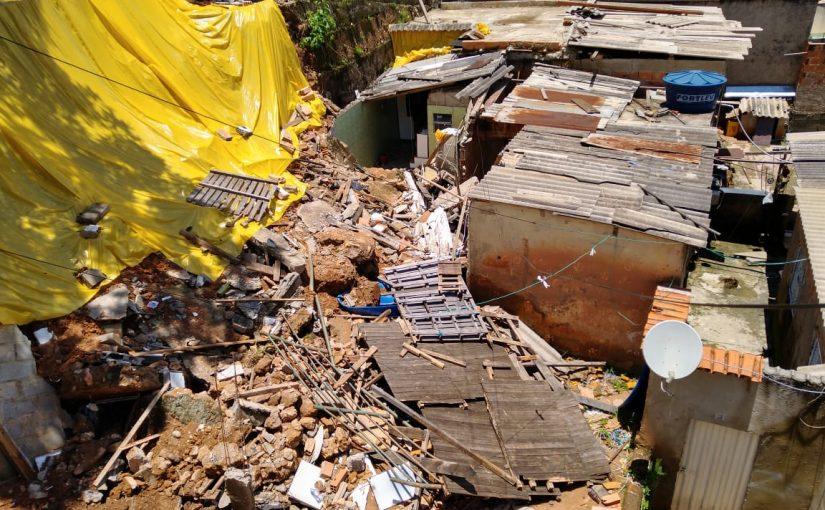 Desabamento de casa em Belo Horizonte - não tiveram feridos