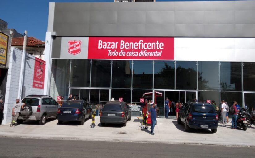 Bazar em Santo André reabre em novo endereço