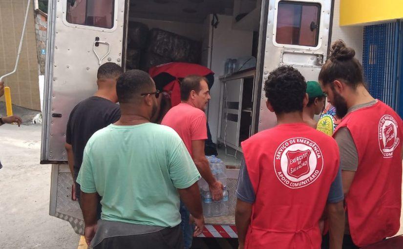 Voluntários do Exército de Salvação prestam apoio na Baixada Santista