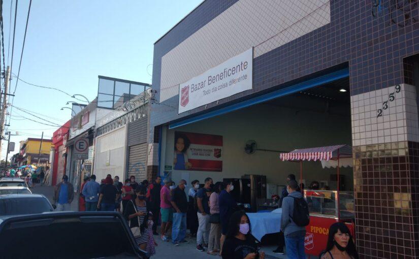 Bazar Beneficente em São Mateus reabre em novo endereço